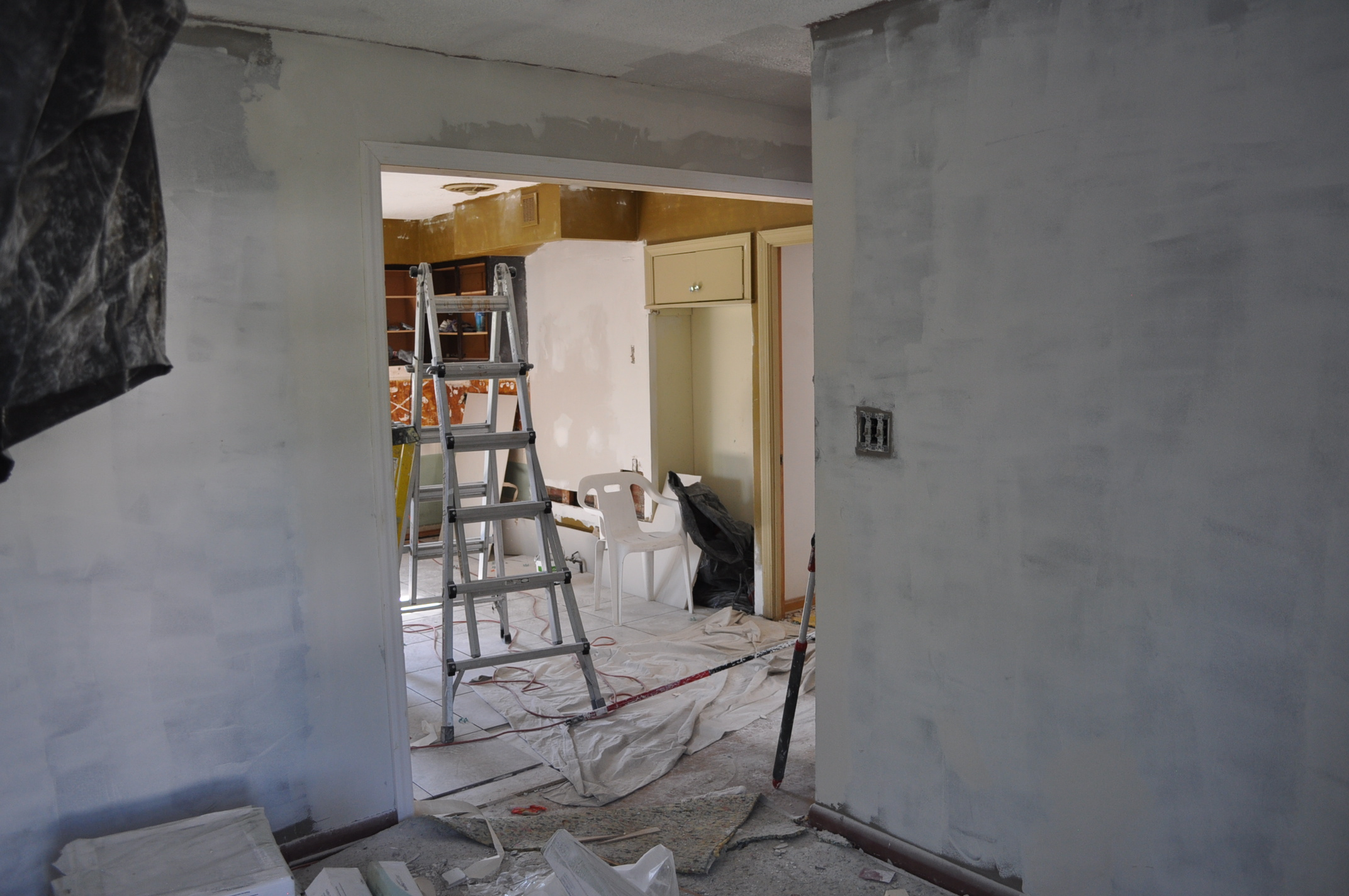 Home of top cleveland painting contractor ask the pros - How to prepare walls for painting in a few easy steps ...
